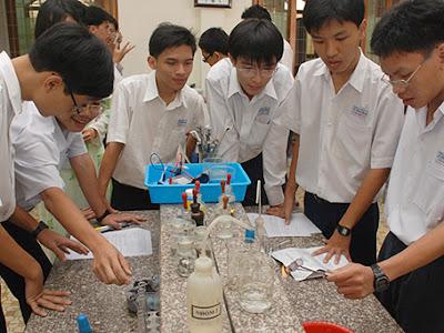 Cách học giỏi môn hóa học - Làm sao để học tốt môn hóa học ?