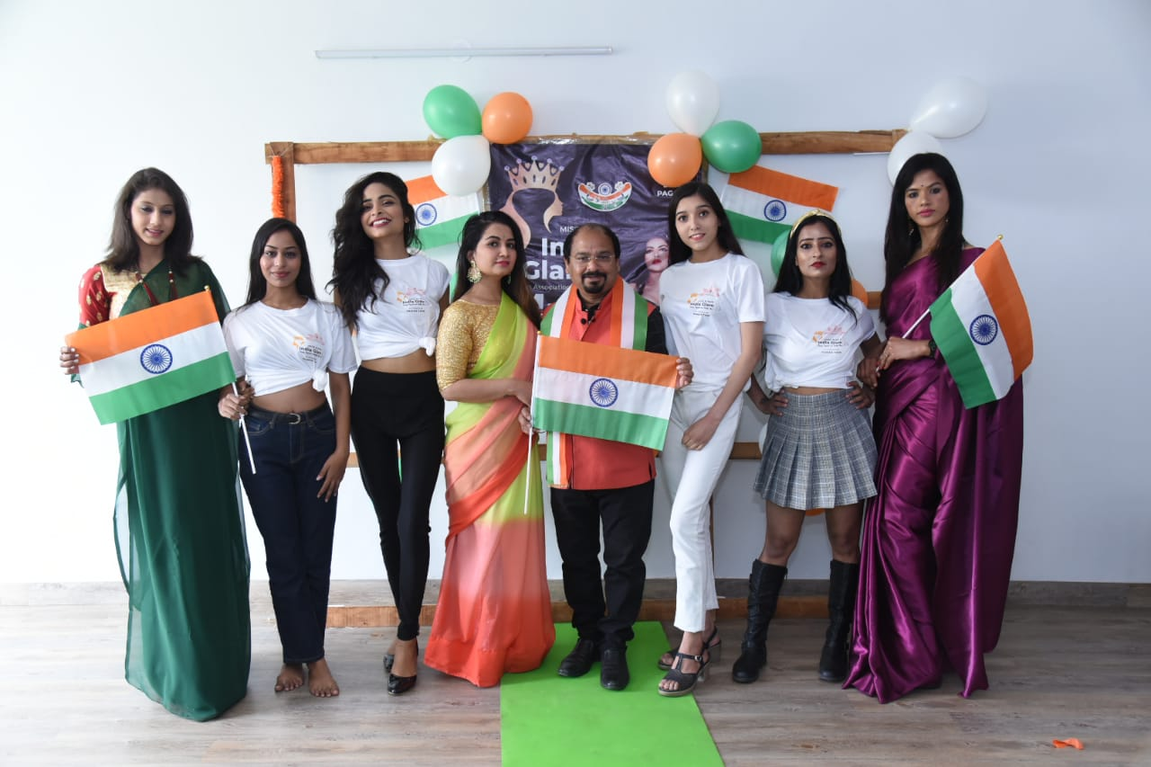 Models-of-Miss-and-Mrs-India-Glam-2021-did-a-patriotic-theme-photoshoot-on-the-occasion-of-Republic-Day
