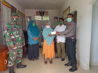 Bhabinkamtibmas Polsek Alla Menyerahkan langsung bantuan BLT DD kepada warga binaannya