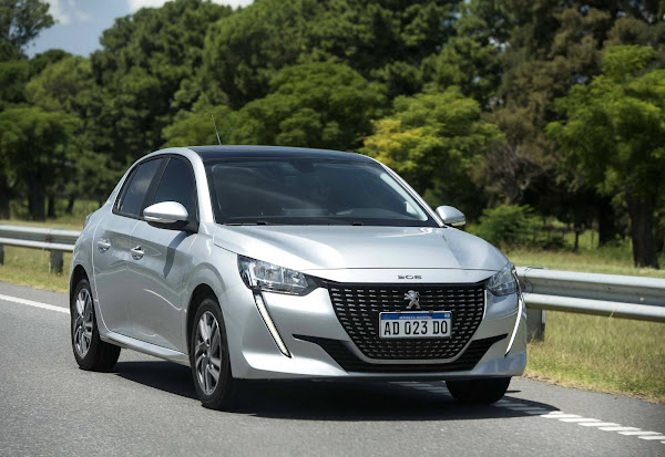 Peugeot 208 выиграет 1.0 Turbo Flex двигатель мощностью 130 л.с. Fiat pulse