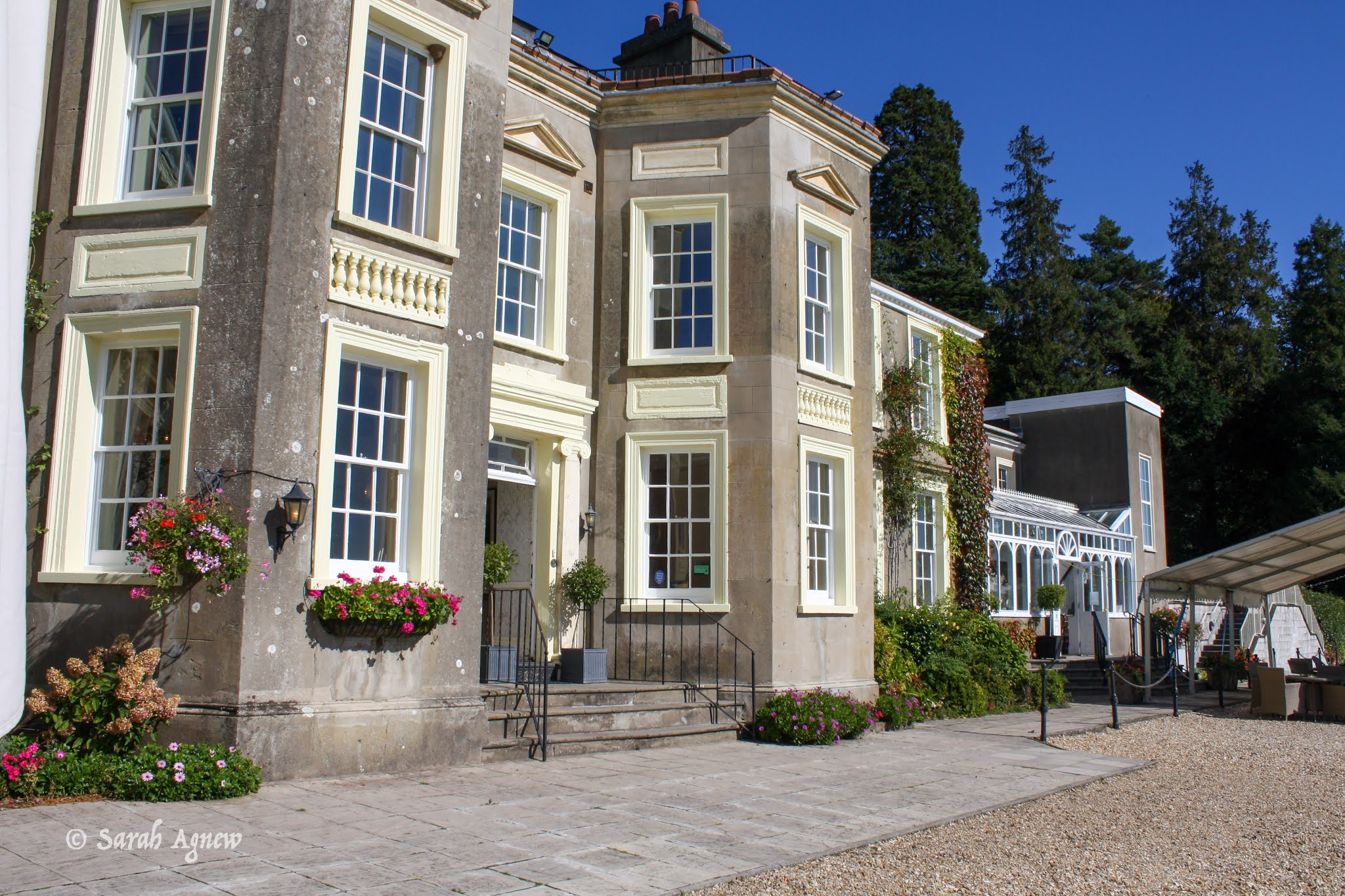 New House Country Hotel, Cardiff, photo by ModernBricaBrac