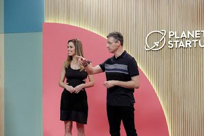A apresentadora Ana Luísa Medici e o mentor Fernando Seabra. Crédito: Kelly Fuzaro/Band