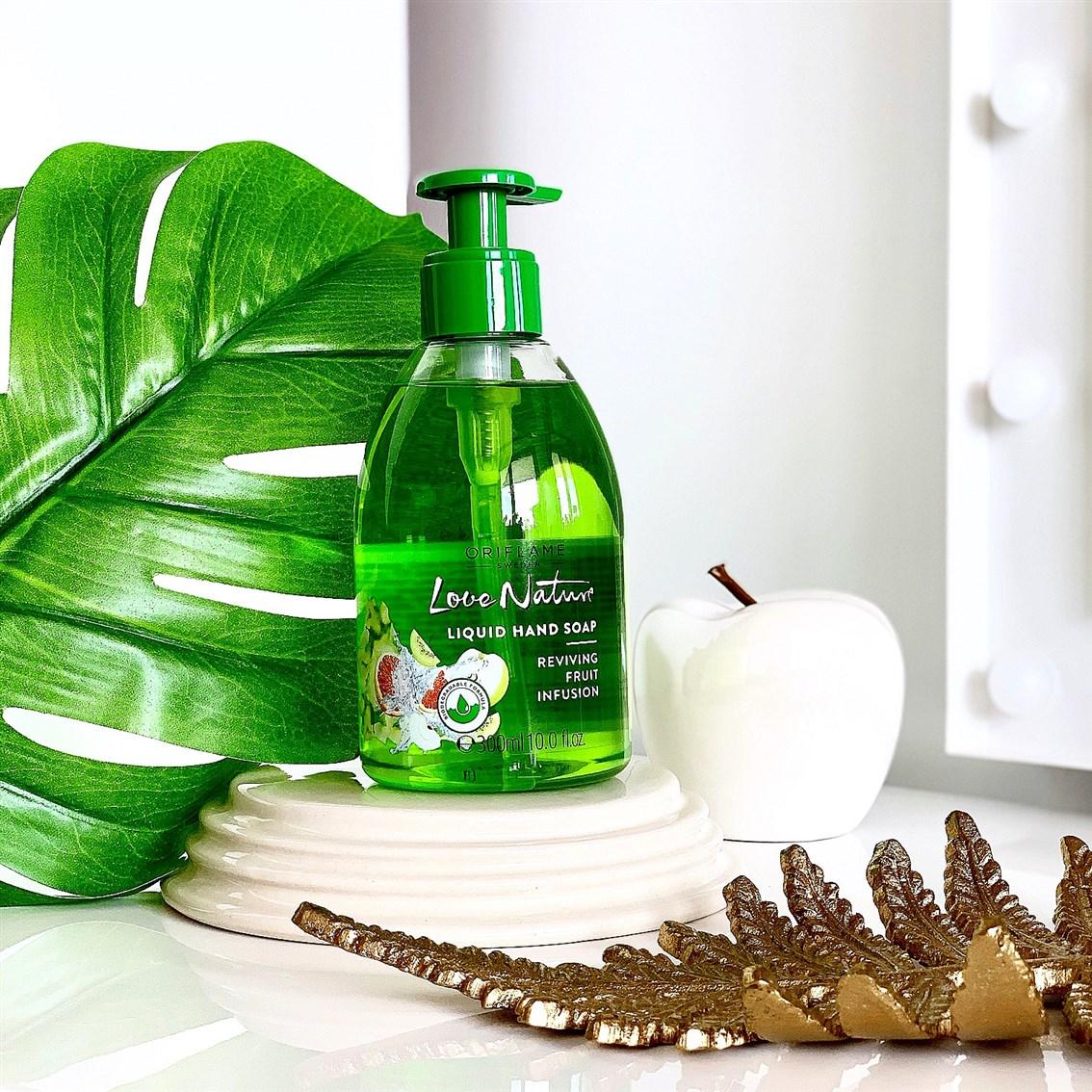 Oriflame Love Nature Fruit Infusion mydło w płynie