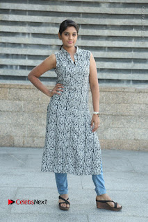 Telugu Television Actress Karuna Latest Pos In Denium Jeans  0095.JPG