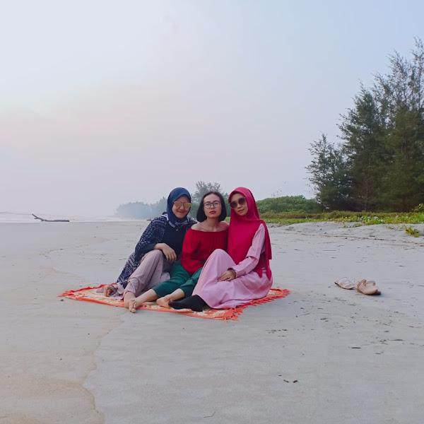 Jalan-jalan Seru ke Pantai Teluk Sepang