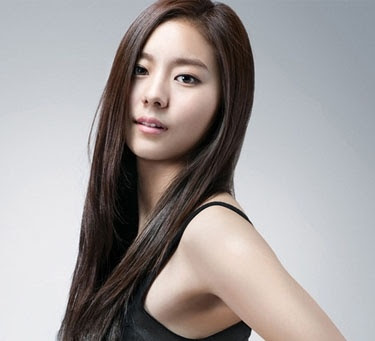 UEE steps down from MC post on 'Music Bank' | Daily K Pop News