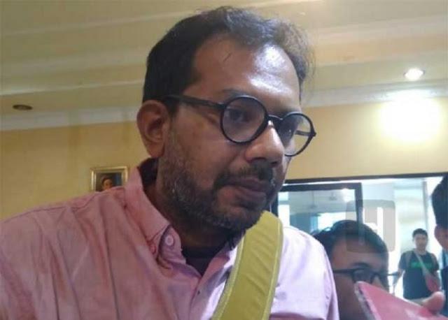 Haris Azhar Sebut Penggiringan Opini Tolak UU Ciptaker ke MK Settingan Penguasa
