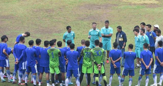 Latihan Perdana Persib Bandung Diikuti 22 Pemain