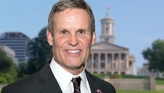 Gobernador estadounidense de Tennessee es criticado por declarar día de ayuno y oración en el estado