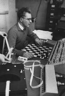 teknologi catur, komputer catur pertama, kamputer catur modern, penemu komputer catur, perkembangan teknologi komputer catur