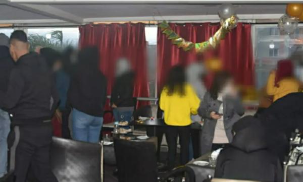 طنجة...مداهمة مقهى بطنجة واعتقال مسيره بسبب حفل افتتاح صاخب