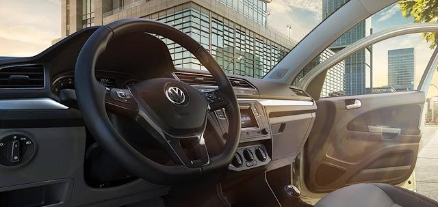 VW Voyage Comfortline 2017 - interior