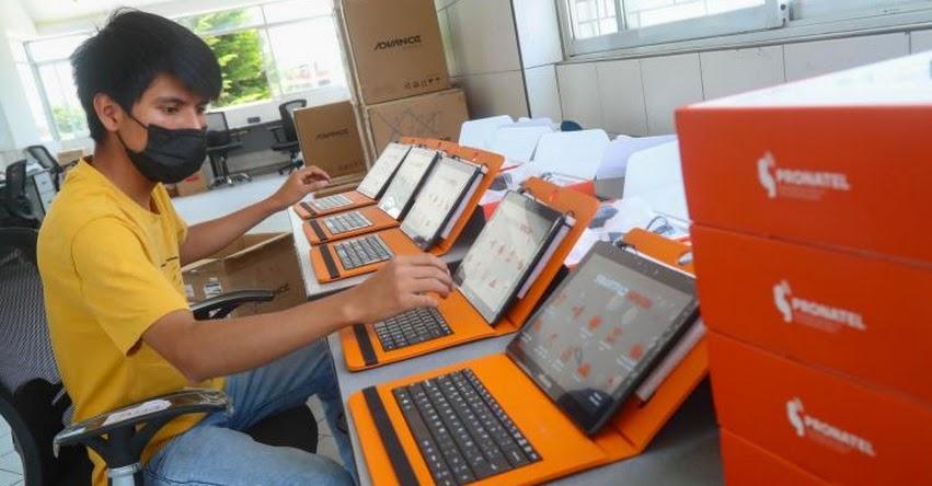 MTC: Entregan cerca de 7 mil tabletas para niños de Huancavelica y ya suman 12 mil