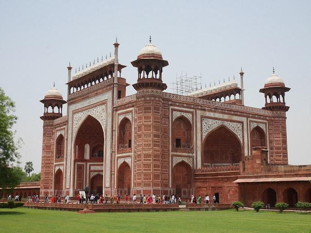 Welcome to Taj Mahal :)