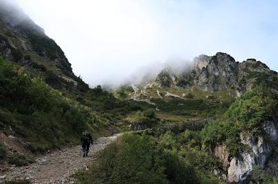 Tips Singkat Saat Mendaki Gunung