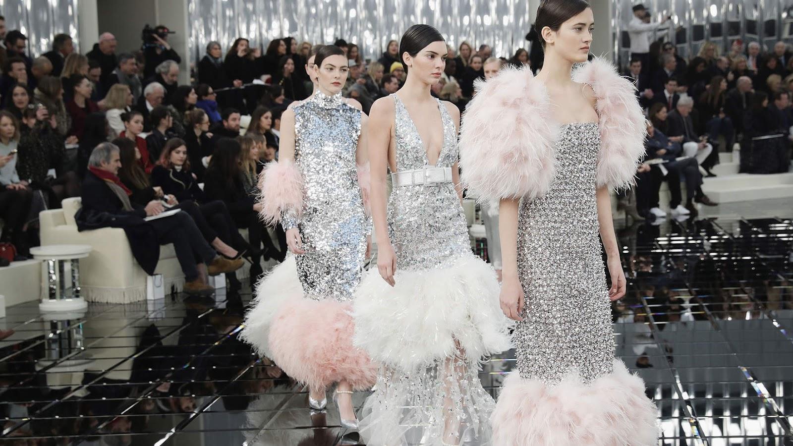 Chanel Haute Couture Spring 2017 - Fashion   Art a967a16c9a3a