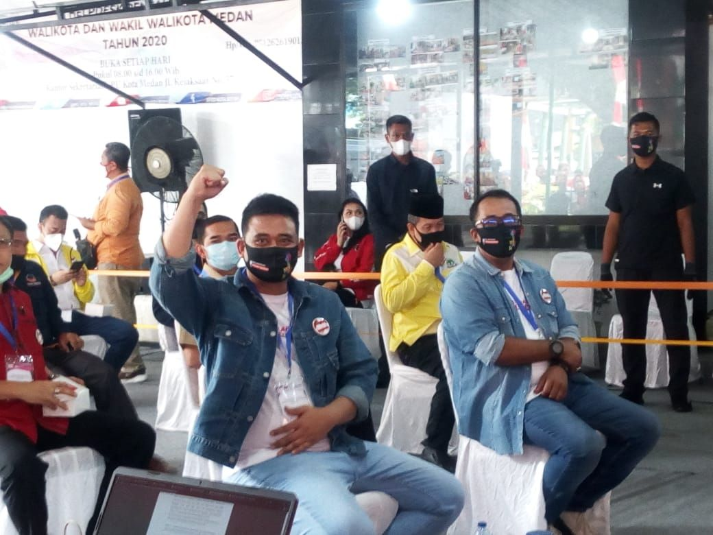 Naik Vespa, Bobby Nasution Daftar Cawalkot ke KPU Medan
