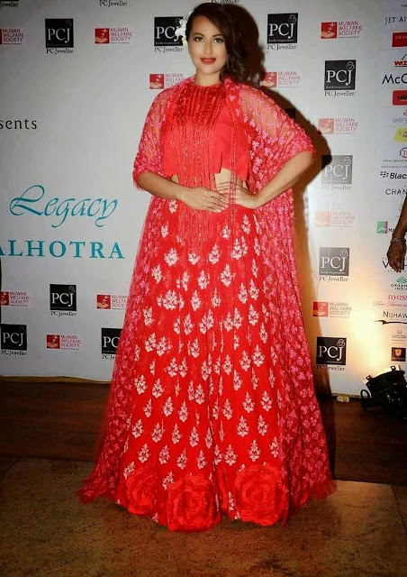 Sonakshi Sinha Stills Mijwan Red Carpet Event