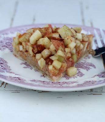 Rhubarbe , pommes, tarte facile
