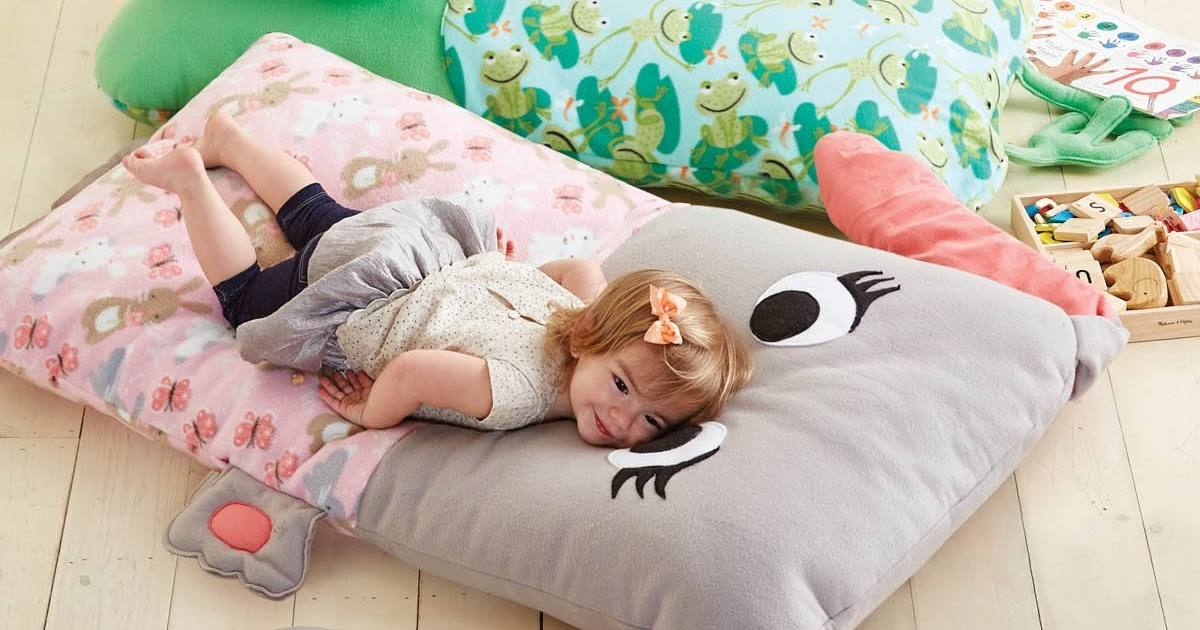 Floor Pillows Sewing Pattern : Craftdrawer Crafts: Easy to Sew Free Bed Pillow Pattern for Kids