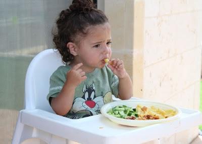 Nafsu Makan Bayi Anda Menurun? Mungkin Ini 3 Penyebab yang Sering Terabaikan