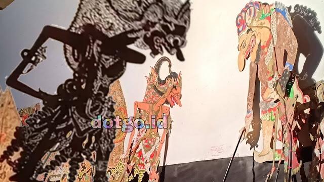 Gatotkaca Gugur Kematian Tragis Gatotkaca Ditangan Karna oleh senjata Konta vasavishakti