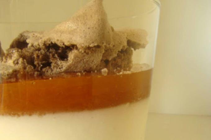 Merengue Cacao-Pannacotta Yogur