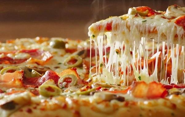 لعشاق البيتزا