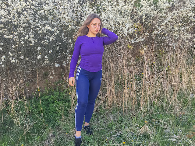 Purple - navy blue outfit