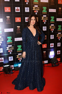 Kareena Kapoor  on the Red Carpet Of Zee Cine Awards 2017 Exclusive 014.JPG