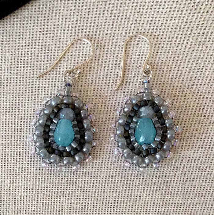 Ases beaded earrings DIY tutorial