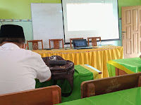 Mengikuti Bimtek Pembelajaran Literasi dan Numerasi