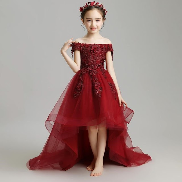 Make Your Little Girl Smile With Clothing.