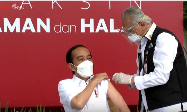 Beredar Luas di China, Foto Jokowi Disuntik Ternyata Berdampak Luar Biasa