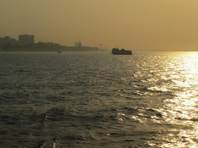 Barcas entre Rio de Janeiro e Niterói
