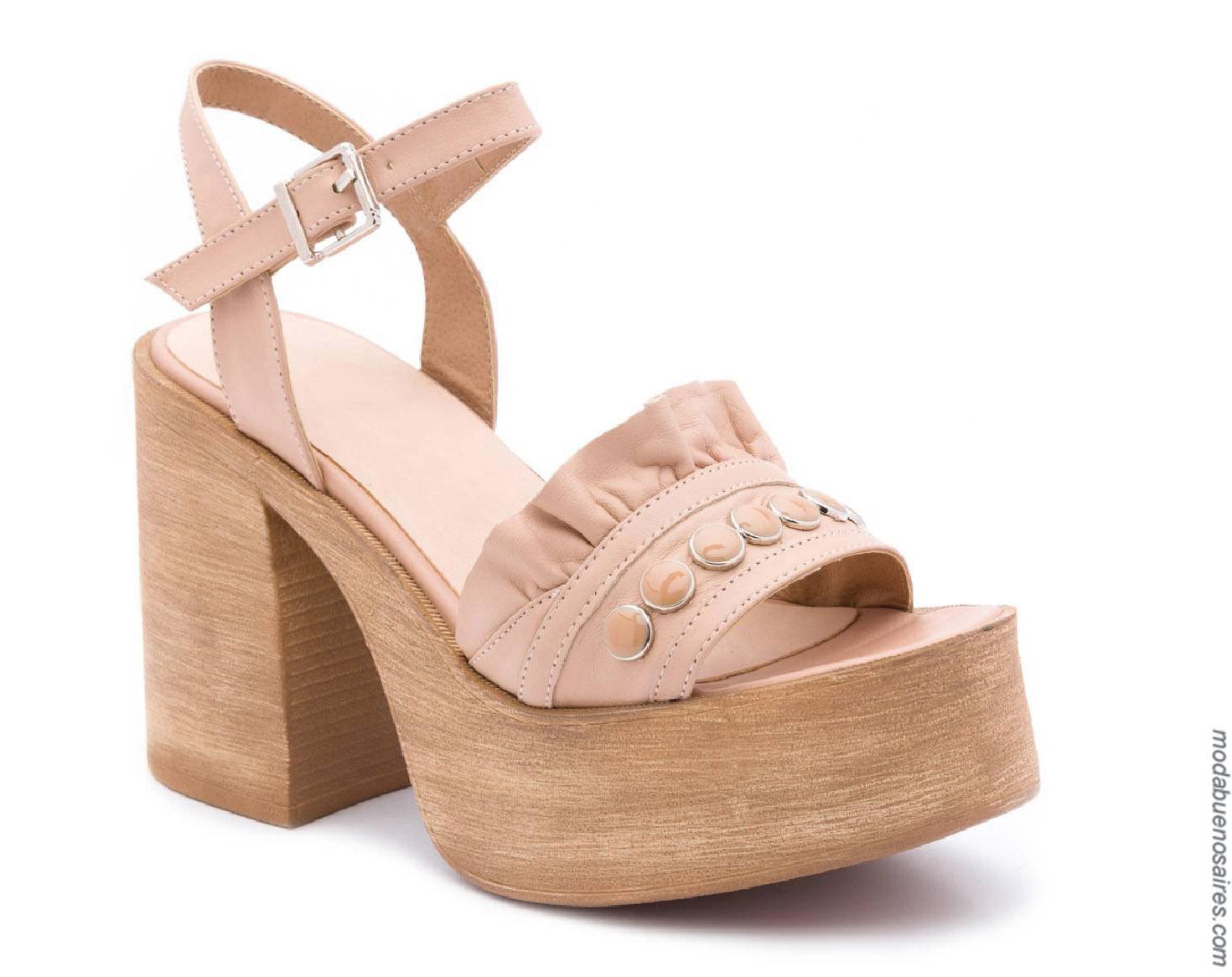 Sandalias de mujer taco cuadrado primavera verano 2020.