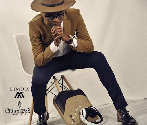 DJ Mdix Feat. Sindi Mabika - Izethembiso