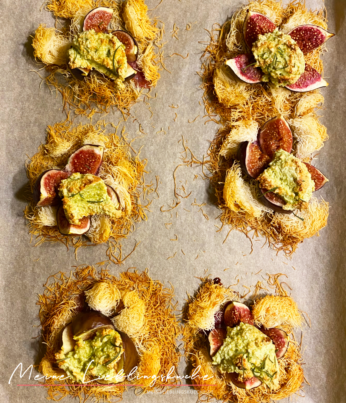 Feigen mit Pistazien-Creme aus dem Ofen