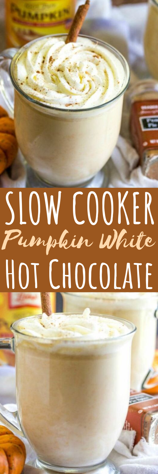 Slow Cooker Pumpkin White Hot Chocolate #drinks #hotchocolate