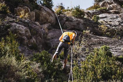 7 Rekomendasi Jam Tangan Untuk Aktivitas Pendakian, Wajib Anti Air!