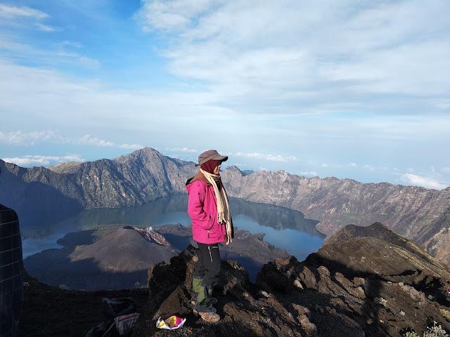 Pencapaian Titik Tinggi: Tadabbur Alam dengan Hiking Gunung2