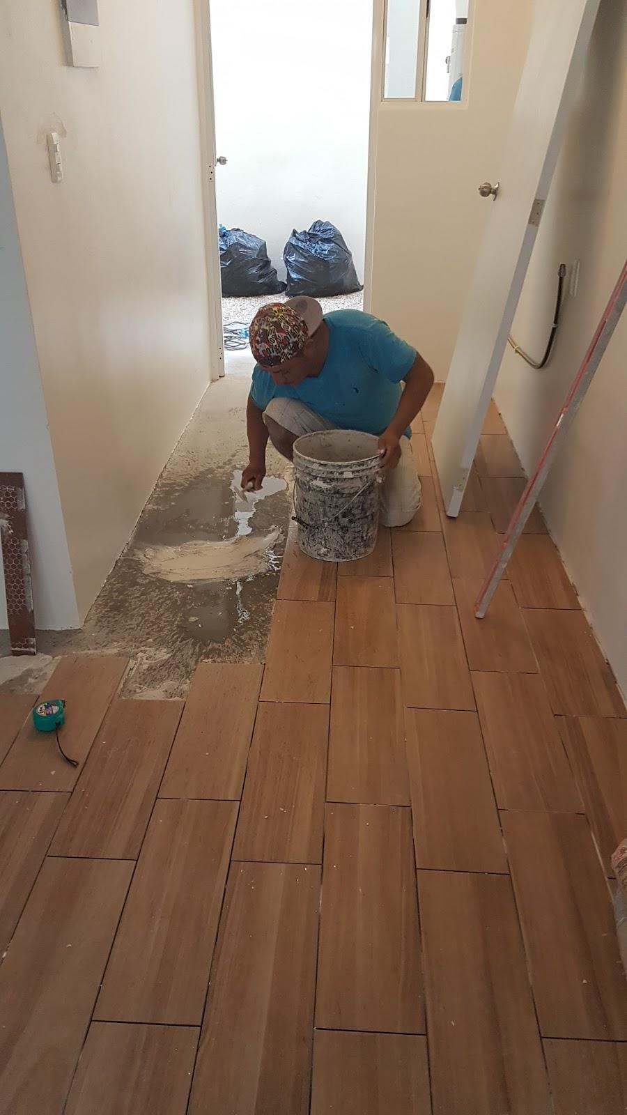 Mr repara piso de cer mica para departamento real bilbao for Ceramica tipo madera