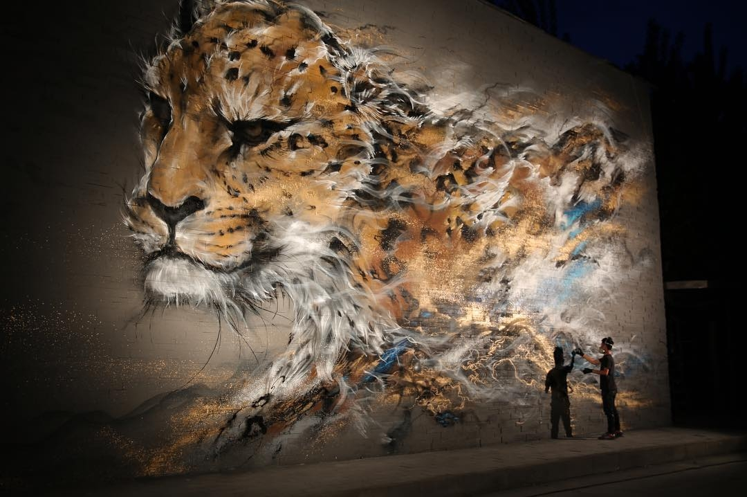 01-Cheetah-Hua-Tunan-Animal-Sketch-Drawings-and-Mural-Paintings-www-designstack-co