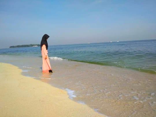 Arlita Dela, Calon Perawat Asal Tangerang Yang Suka Menulis