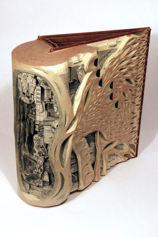 Скульптуры из книг. Brian Dettmer 4