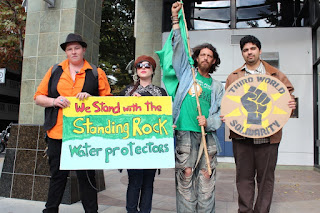 Over 500 People in Sacramento Stand in Solidarity with Standing Rock Sioux People