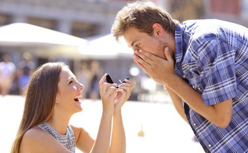 Cómo pedir matrimonio siendo mujer