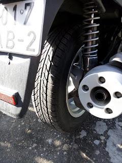 Автопокрышка на скутере