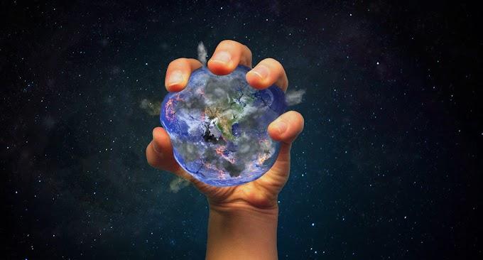 धरती को बदल डाला हम लोगों ने
