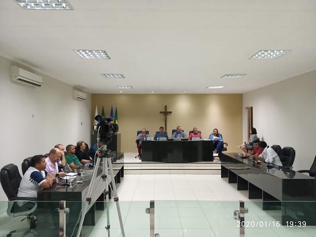 Vereadores de Ipueiras voltam às sessões plenárias após recesso